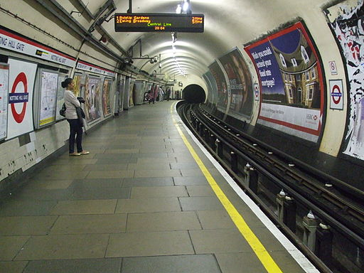 Notting Hill Gate stn westbound look east