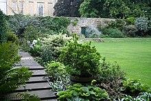 Uno dei luoghi che ispirarono Carroll - La porta (al centro della foto) sul giardino meraviglioso (Christ Church, Oxford)