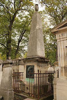 Père-Lachaise - Pierre Louis Dulong 01.jpg