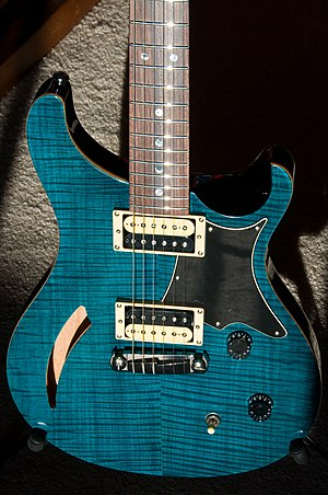 PRS Guitars - PRS SE Custom Semi-Hollow.