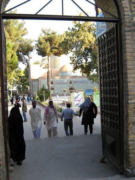 File:Pakistani pilgrimes of Mohammad al-Mahruq Mosque - October 15,2013 - Nishapur 3.JPG