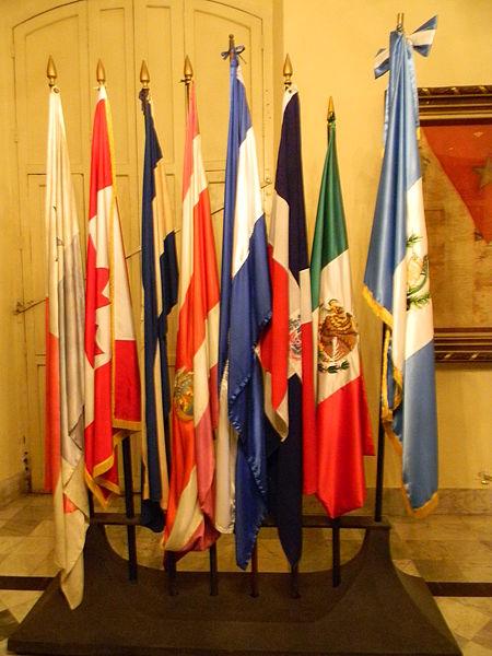 File:Palacio de los Capitanes Generales - Laslovarga23.JPG