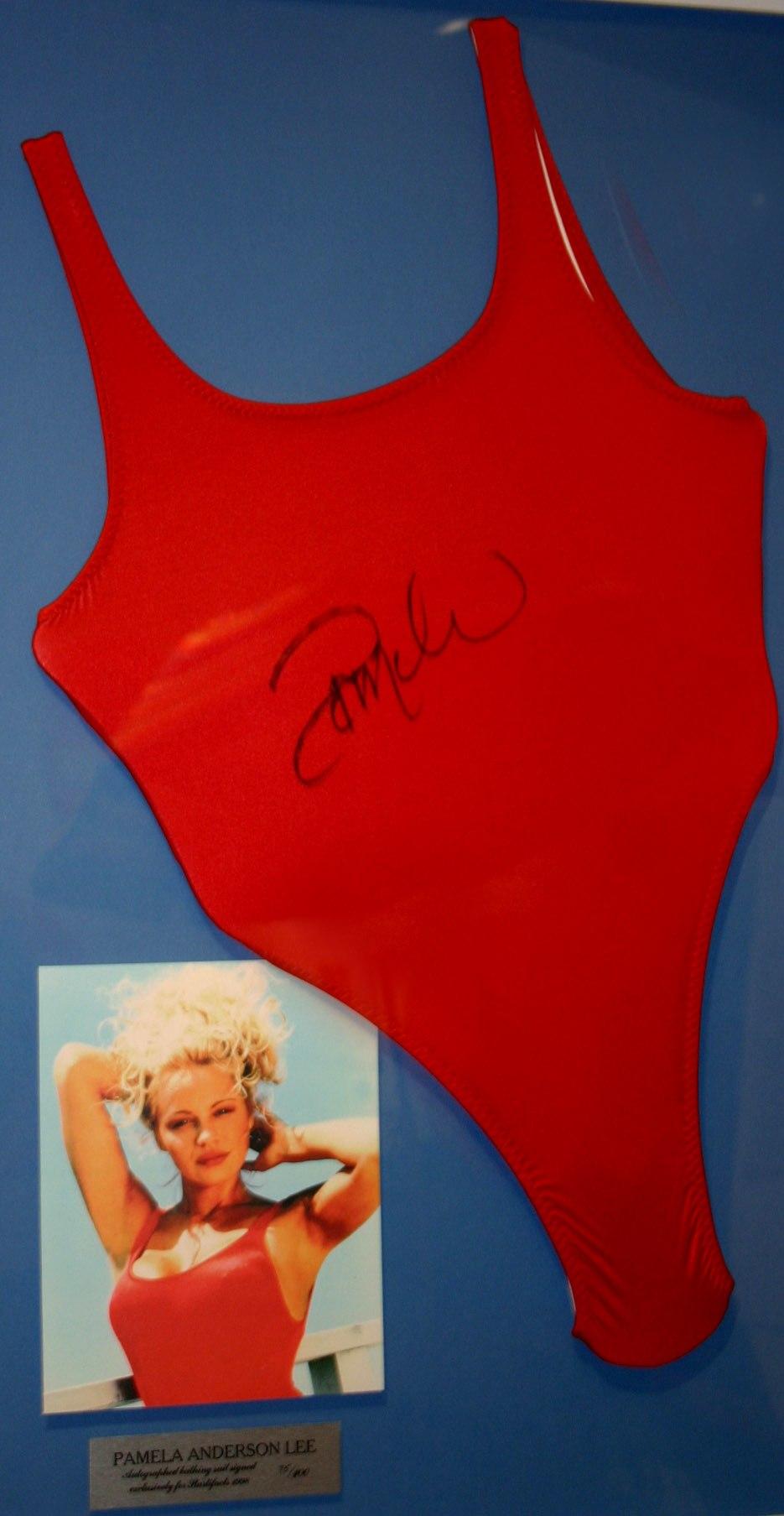 Pamela Anderson, plavky