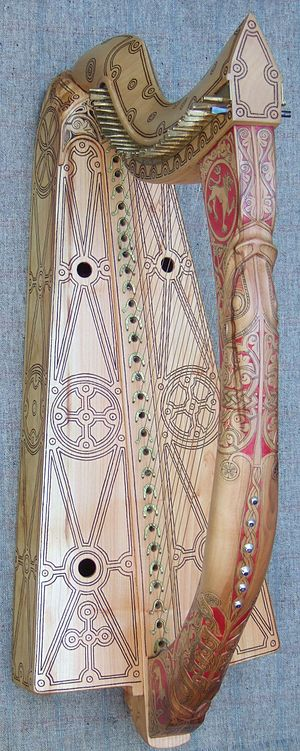 Celtic harp - Replica of the 'Queen Mary harp' (Clàrsach na Banrìgh Màiri) by Davy Patton, 2007