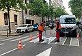 Peinture des passages piétons, Boulevard Deruelle (Lyon) en mai 2019.jpg
