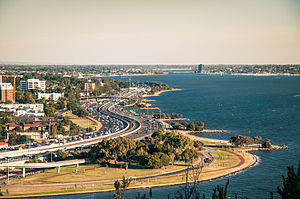 Kwinana Freeway - Kwinana Freeway in South Perth, as seen from Kings Park