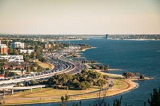 Kwinana Freeway - Kwinana Freeway in South Perth, as seen from Kings Park