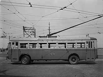Trolleybuses in Perth - Image: Perth trolleybus number 39 (side) 19510320