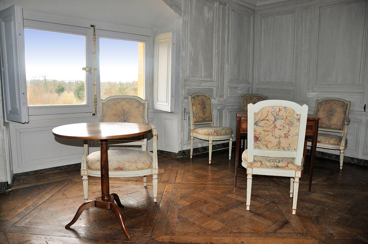 Fichier petit trianon chambre de la premi re femme de for Chambre 8 m carre