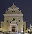 Pfarrkirche Sankt Ulrich in Gröden nachts.jpg