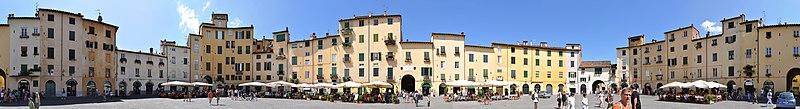 File:Piazza Anfiteatro Lucca 360.jpg