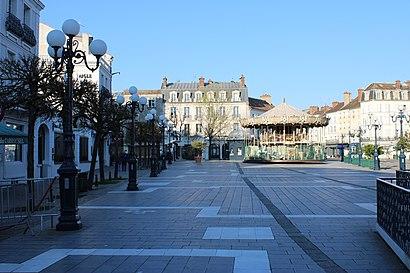 Comment aller à Place Napoléon Bonaparte en transport en commun - A propos de cet endroit