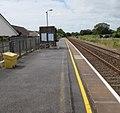 Platform 2, Clunderwen railway station - geograph.org.uk - 4614711.jpg