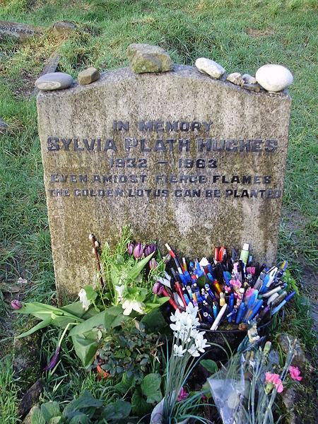 File:Plath Grave 2.JPG