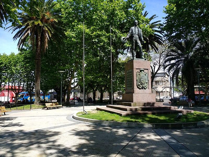 File:Plaza Independencia de Rocha 5.jpg