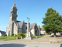 Plonévez-du-Faou église paroissiale 2.jpg