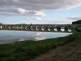 Il ponte di Beaugency.