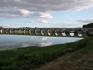 Le pont de Beaugency sur la Loire
