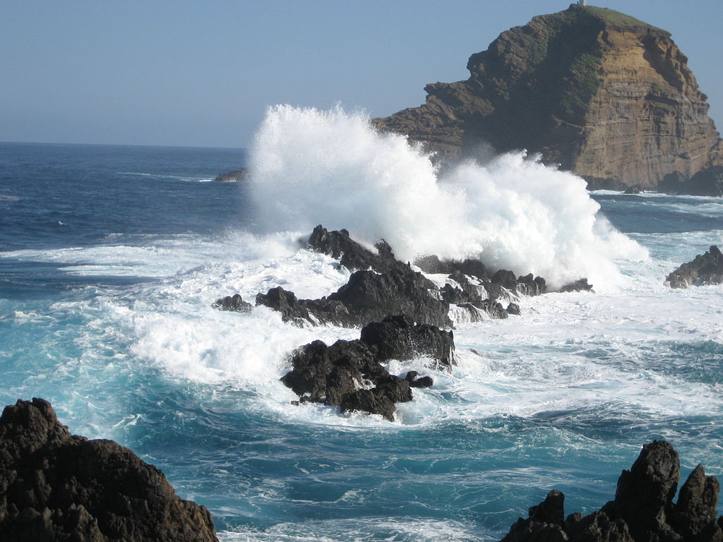 Porto Moniz Rock 1