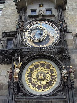 Flashback 1 El misterio del reloj encantado - Página 11 250px-Prague_-_Astronomical_Clock_Detail_3