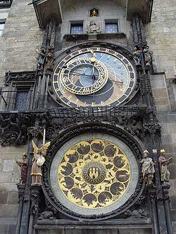 Flashback 1 El misterio del reloj encantado 250px-Prague_-_Astronomical_Clock_Detail_3