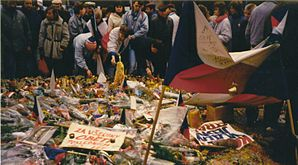 Prague November89 - Wenceslas Square1.jpg