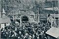 Pred karavanškim predorom na Hrušici - služba božja za ponesrečene delavce 1905.jpg