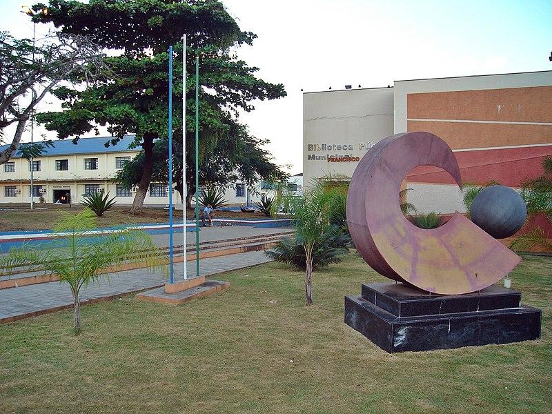 Ficheiro:Prefeitura e Biblioteca Municipal de Porto Velho.jpg