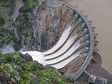Energía hidroeléctrica: Es muy barata en España, aunque la pagamos muy cara.