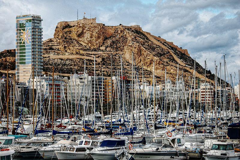 File:Puerto de Alicante.jpg