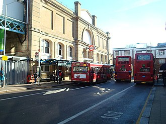 Putney Bridge tube station - Image: Putney Bridge Underground Station geograph.org.uk 685230