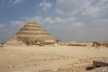 Pyramid of Djoser 2010 7.jpg