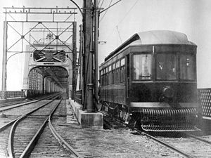 Saint-Lambert, Quebec - A streetcar arriving in Saint-Lambert from the Victoria Bridge in 1909.