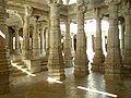 Ranakpur-Jain-Marble-Temple-pillars-Frescoes-Apr-2004-02.JPG