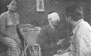 Djaoeh Dimata - Ratna Asmara, Ali Joego, and Iscandar Sukarno in a scene from the film