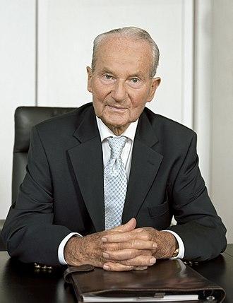 Bertelsmann - Portrait of Reinhard Mohn (2008)
