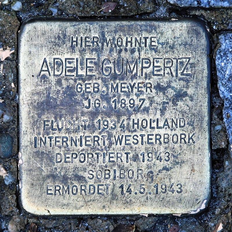 Rhauderfehn - Rhauderwieke - 3 - Stolpersteine Gumpertz, Adele 01 ies.jpg