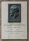 Richard Wettstein von Westersheim (Nr. 24) Basrelief in the Arkadenhof, University of Vienna-1334-Bearbeitet.jpg