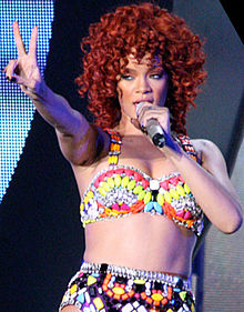 Rihanna, LOUD Tour, Minneapolis 6 crop.jpg