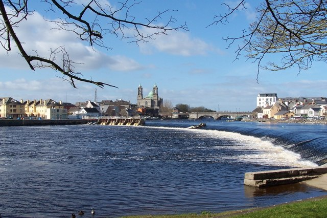 River Shannon, Athlone, Co. Westmeath, Ireland - geograph.org.uk - 345361