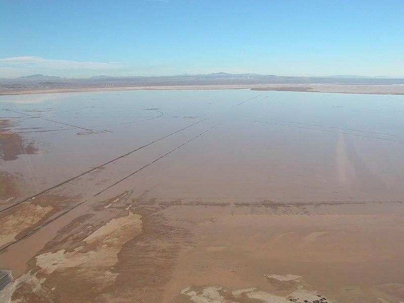 File:Rogers Dry Lake.jpg