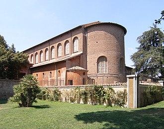 Santa Sabina - Image: Rom, Basilika Santa Sabina, Außenansicht