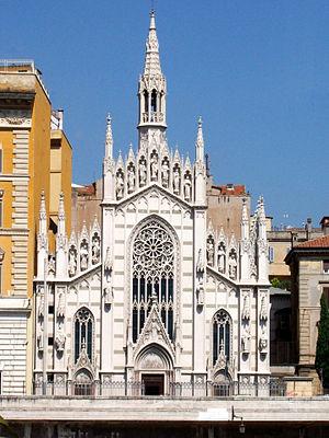 Prati - Chiesa del Sacro Cuore