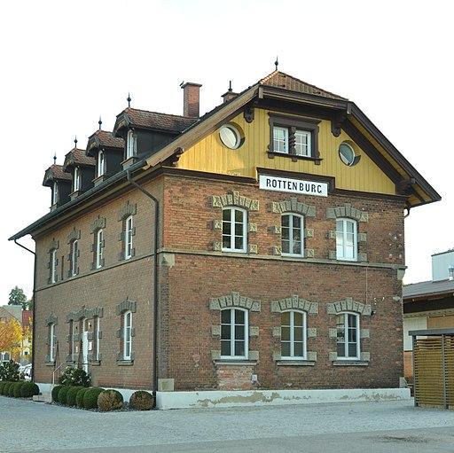 Rottenburg a. d. Laaber, Empfangsgebäude