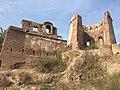 Ruines of Manauli fort 01.jpg