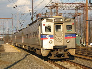 Trenton Line (SEPTA) - Image: SEPTA Silverliner IV 402 on the R7