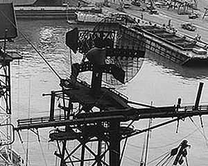 SPS-8 Radar USS Providence (CLG-6) NH98545 1970-07-12 (cropped).jpg