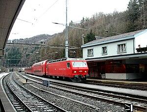 Sihlbrugg railway station - A train of the Sihltal-Zürich-Uetliberg-Bahn (SZU) in Sihlbrugg station in 2006