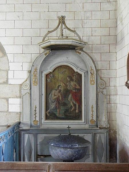 Église Saint-Loup de Saint-Loup-du-Gast (53). Fonts baptismaux.