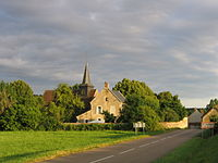 Sainte Colombe des Bois église et presbytère.JPG